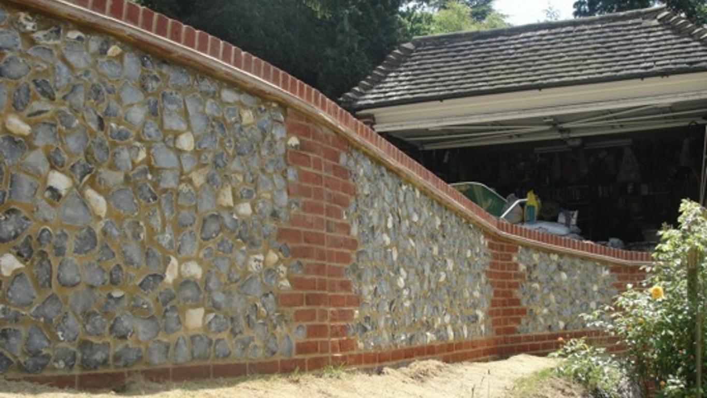 Brickwok Stonework Flintwork Builder Bricklayer Capel Surrey , builder in coldharbour , rh5 , building , bricklayer , leith construction , builder in dorking surrey